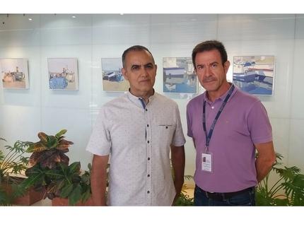 El Hospital Comarcal de la Axarquía acoge la exposición 'enTORNO al mar' del pintor José Manuel Molina