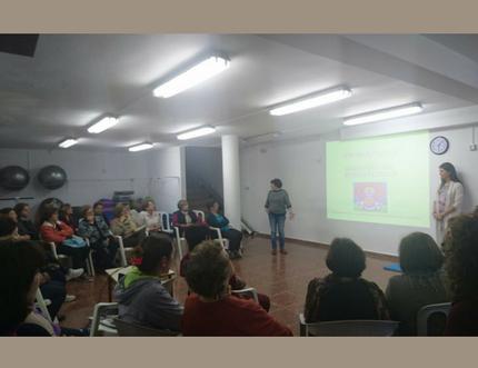 """34 mujeres de distintas edades participan en el taller """"Fortalece tu suelo pélvico"""""""