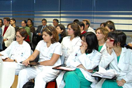 Personal sanitario en una actividad formativa
