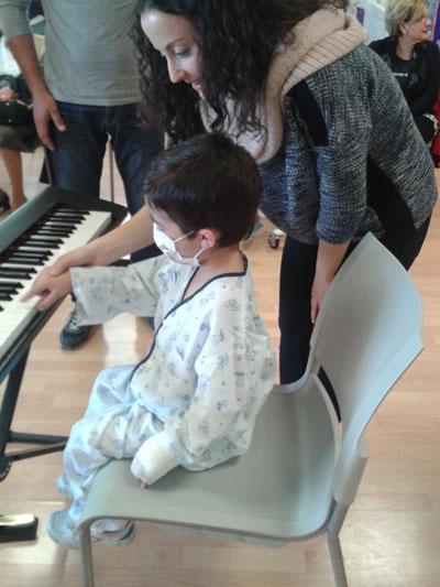 Musicoterapia: Ángela García López (viola) y Carolina Velasco (piano)