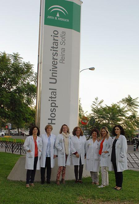 Grupo de trabajadoras sociales del hospital
