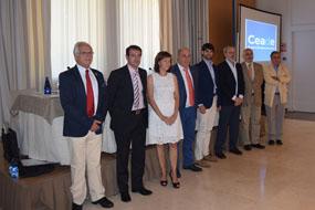Valle García, junto a los premiados, autoridades y responsables