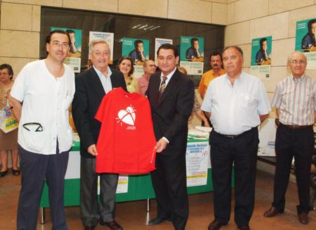 El vocal de este colectivo profesional Álvaro Vega junto a Juan Carlos Robles