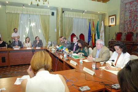 Reunión sobre el acuerdo de la creación del instituo de biomédica
