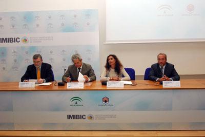 Momento del acto de la presentación del nuevo IMIBIC