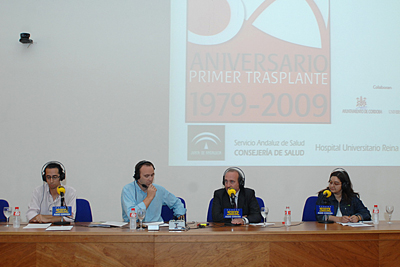El equipo de Radio Córdoba y el gerente del hospital