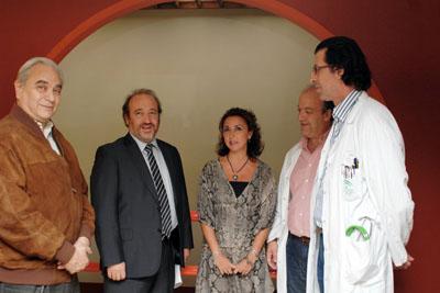 La delegada de Salud con el gerente y los especialistas antes de la rueda de prensa