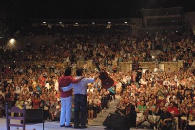 Manuel Orta se despide del escenario junto a su guitarrista