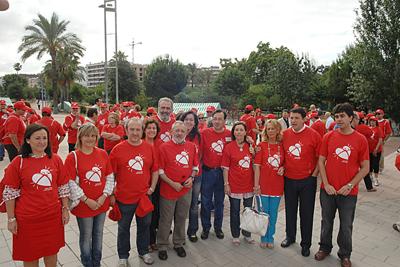 Representantes del hospital y de las instituciones antes de iniciar la marcha