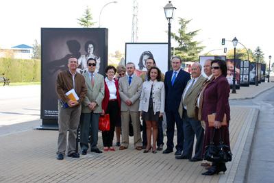Mª Isabel Baena, Delega de Salud, José Antonio Ruiz Almenara, Alcalde de Palma del Rio y miembros de asociaciones de trasplantados.