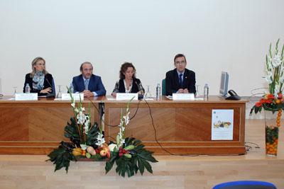 La delegada de Salud presidió el acto inaugural.