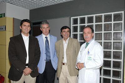 En la imagen, de izquierda a derecha, los doctores Santamaria, Palomares, Benito y García Carasusan