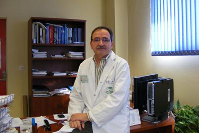 José Eduardo Arjona, ginecólogo del hospital que desarrolla esta técnica