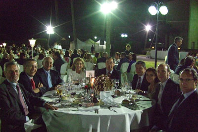 Profesionales del hospital compartieron mesa con el gerente y la delegada de Salud.