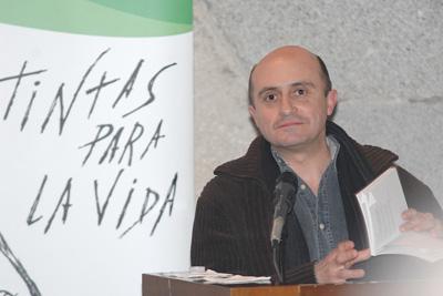 Pepe Viyuela interpreta su poema