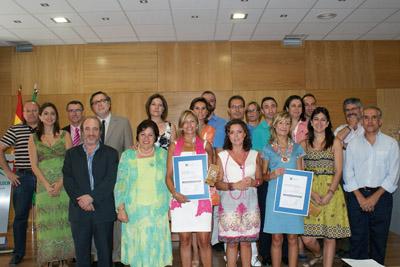 La delegada Salud junto a los profesionales de las unidades de formación acreditadas.