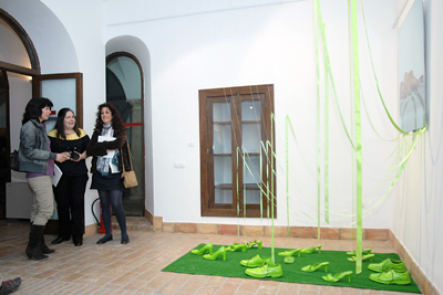 La imagen muesta una de las obras que ha integrado la exposición.