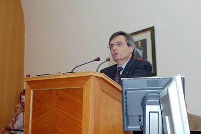 Intervención del Rafael Matesanz.
