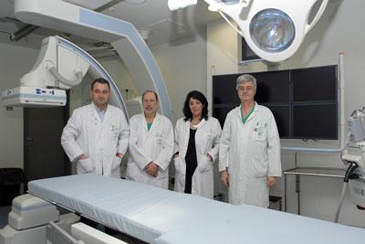 De izquierda a derecha, los doctores Chacón, Canis, Herrera y García-Revillo, autores del estudio.