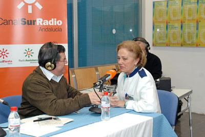 Participación de Concha Aldana en el programa de radio.