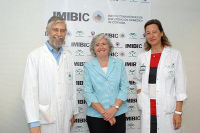 De izquierda a derecha, Francisco Pérez Jiménez, Aurora Rodríguez y María del Carmen Muñoz.
