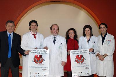 La delegada de salud acompaña a los profesionales del hospital en la celebración del Día Mundial del Riñón.