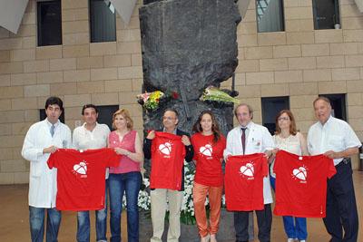 Invitados del jueves en el monumento al donante