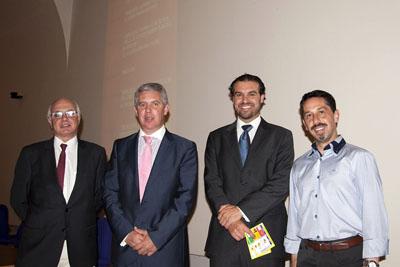 El Dr. Palomares, segundo por la izquierda junto al resto de ponentes del curso de Endocrinología.