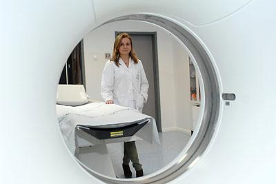 La responsable de la Unidad de Mama en una de las instalaciones del hospital.
