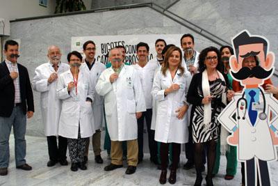 Responsables sanitarios se ponen el bigote para luchar conta el cáncer de próstata