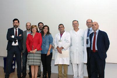 Organizadores, docentes y responsables sanitarios durante la inauguración del curso