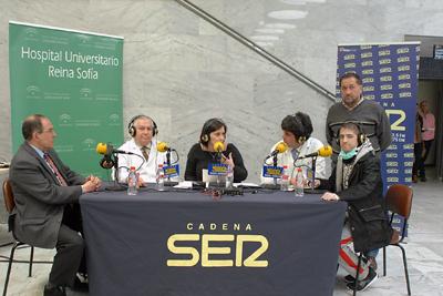 Profesionales y pacientes ofrecen su testimonio en la radio