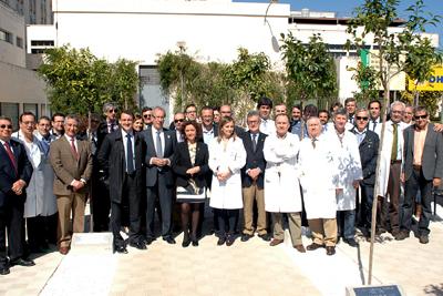 Foto de familia de la inauguración del 'Jardín de los trasplantes