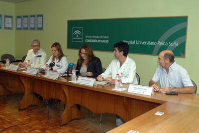 La delegada de Igualdad, Salud y Políticas Sociales presenta el convenio con los vecinos