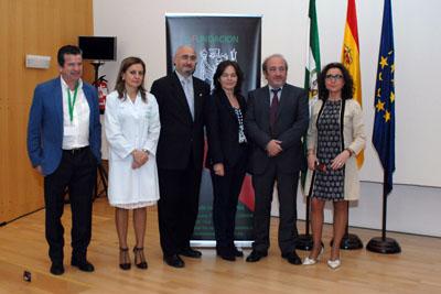 El gerente del SAS y la delegada de Salud, últimos por la derecha, junto a responsables de la fundación y del hospital
