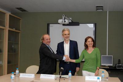 El gerente del SAS, el consejero de Salud y la presidenta de la Fundación Carlos Castilla del Pino