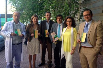 La delegada de Salud, 2ª por la derecha, junto a especialistas y responsables sanitarios