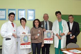 María Isabel Baena, en el centro, junto a responsables sanitarios y de Alcer en el Día Mundial del Riñón