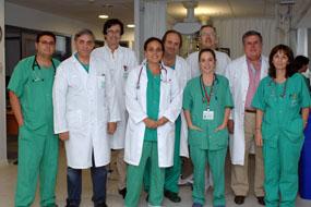 Grupo de cardiólogos, cadiólogas pediátricas, intensivistas, cirujano cardiovascular y anestesista