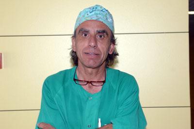 Lorenzo Pérez, enfermero experto en tratamiento de úlceras tumorales