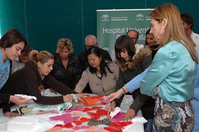 Pacientes preparan el material recepcionado