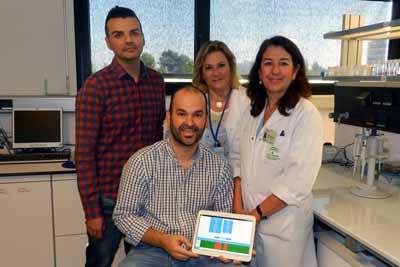 La doctora Salcedo (segunda por la derecha), junto al resto de profesionales que han colaborado