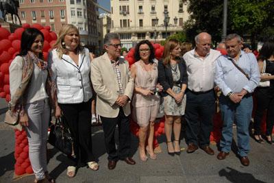 Autoridades, responsables políticos y paciente participaron en el acto