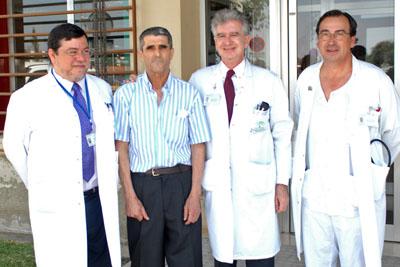 neumólogo, paciente, cirujano y coordinador de trasplantes