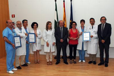 El gerente del SAS, junto a otros responsables sanitarios y profesionales de unidades acreditadas