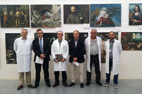 Responsables de los hospitales Reina Sofía y de Montilla en la inauguración de la exposición
