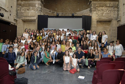 Alumnos que han participado en esta edición del recital en Cosmopoética