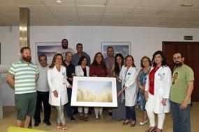 María Ángeles Luna, en el centro, junto a profesionales y miembros de EnVilo