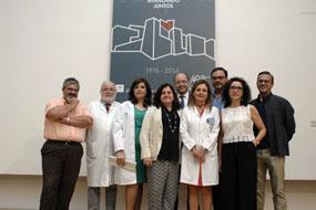 Autoridades y docentes que han participado hoy en la jornada de enfermería
