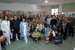Profesionales y pacientes que han llevado a acabo la operación kilo